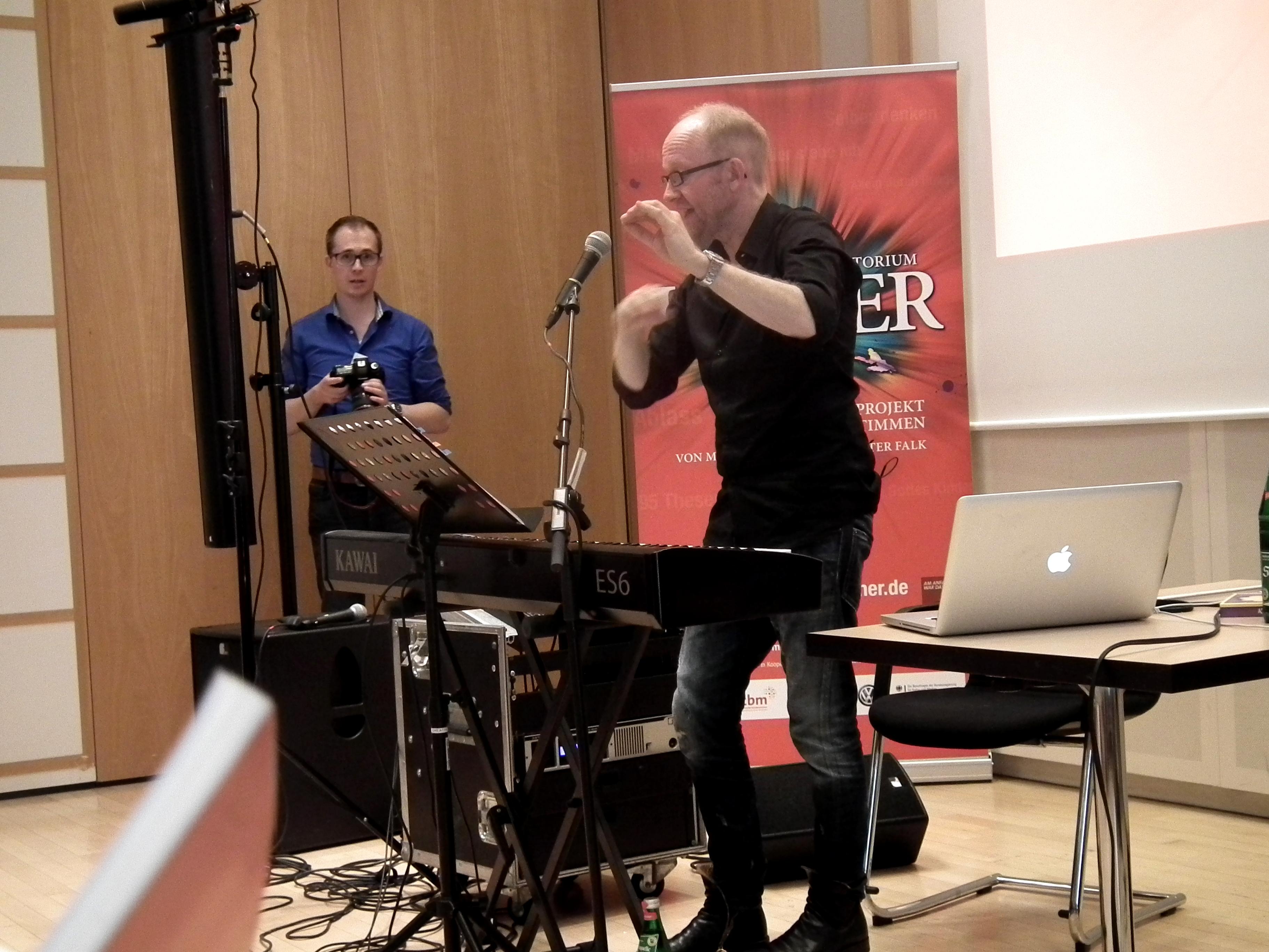 Dieter Falk bei der Chorleiterschulung für Luther in Hamburg