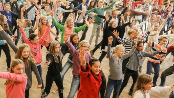 Die Federführung für das bundesweite ARD-Schulkonzert liegt diesmal beim WDR - und die Ensembles des NDR bewegen wieder Schülerinnen und Schüler im Norden.