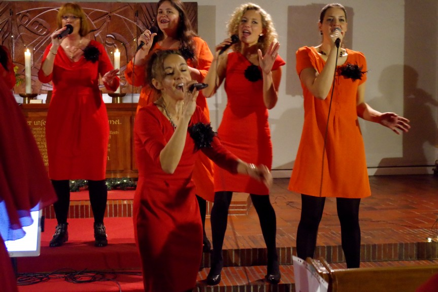 Gospelensemble Sing! Inspiration bringt St. Gabriel zum Beben!